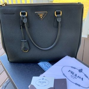 🎁Prada Galleria  Saffiano Leather Bag 🎁